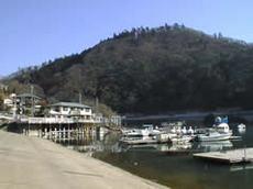 相模ダムと相模湖