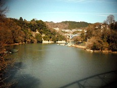 秋川橋からの秋山川
