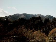 経ヶ岳・仏果山・高取山にかけての山並