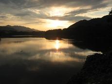 城山中沢地区からの津久井湖