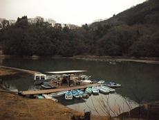 秋山川釣舟
