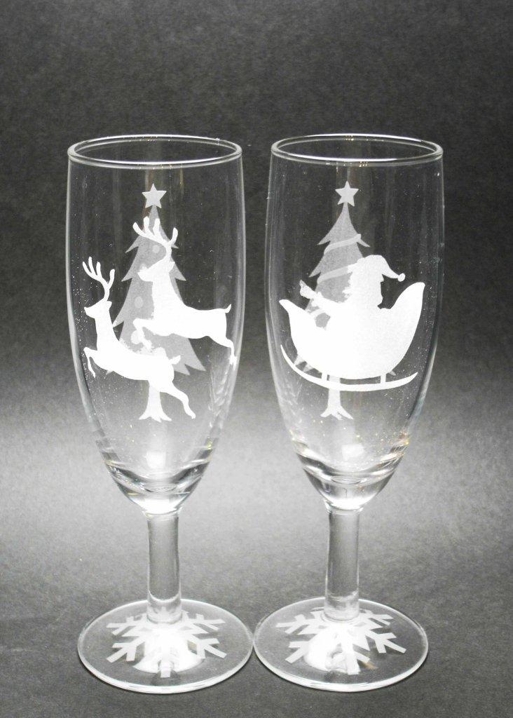 藤野芸術の家ガラス工芸 サンドブラストでシャンパングラス作り